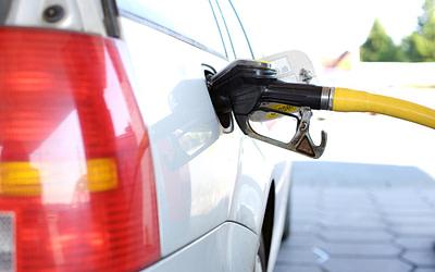 Scheda carburante veicoli: è incompleta se manca la targa